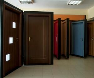 סוגי דלתות בחולון